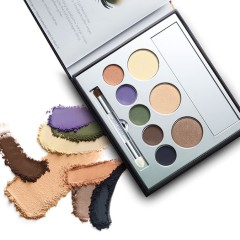Smoky-Eye-Kit_Open_with-Swatches